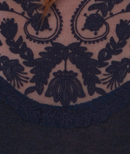 Fine sweater with lace back detail