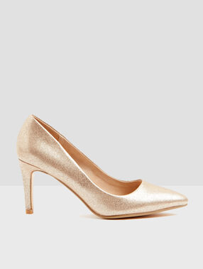 Pumps golden.