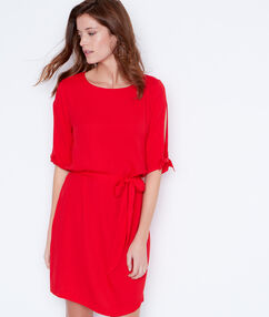 Belted dress with split sleeve red.
