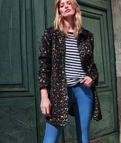 Leopard printed coat black.