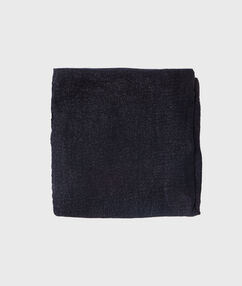 Foulard plissé noir.
