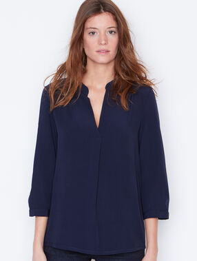 V-neck blouse navy.
