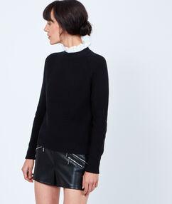 Pull tricot 2 en 1 avec col en dentelle noir.