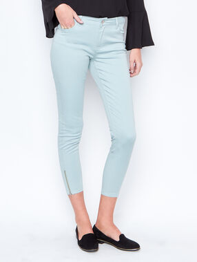 Cropped pants sea green.