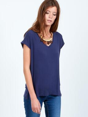 T-shirt fluide col v bleu.