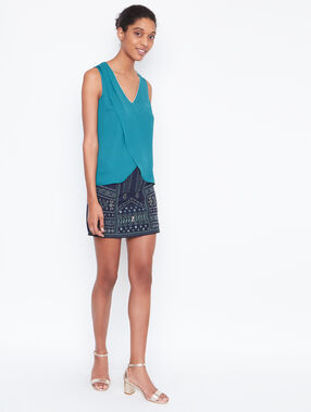 Sleeveless top emeraid.