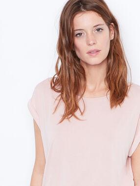 T-shirt col rond à manches courtes rose poudre.