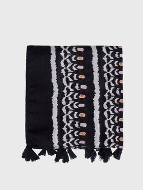 Foulard à imprimé ethnique noir.