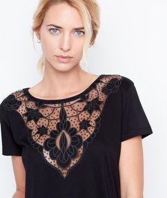 Short sleeve t-shirt black.