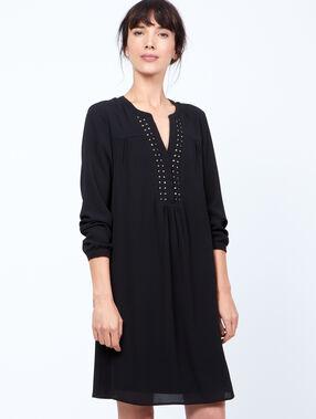 Robe fluide détails perles noir.