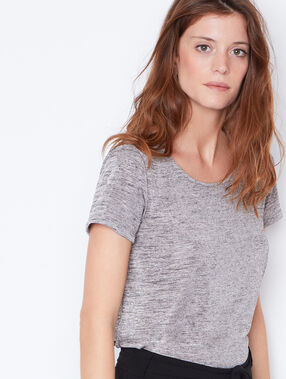 Round collar t-shirt gold.