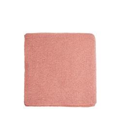 Écharpe en maille unie rose.