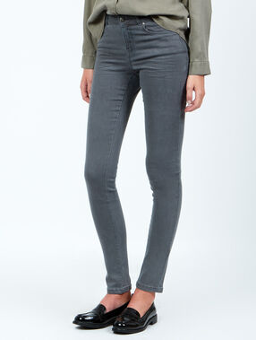 Jean slim gris.