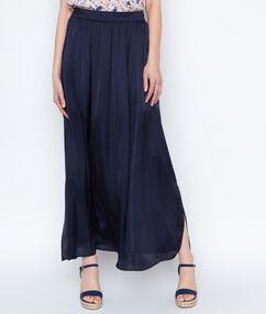 Falda larga holgada azul marino.