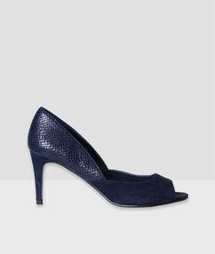 Shoes blue.
