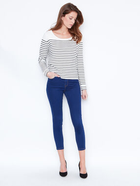 Capri skinny jeans dark denim.