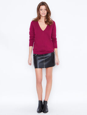 V-neck cashmere cotton sweater plum.