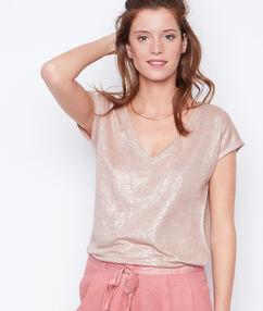 T-shirt rosa.