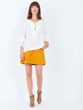 Blouse with ruffle detail white.