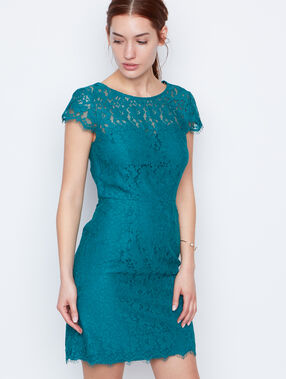 Lace dress emeraid.
