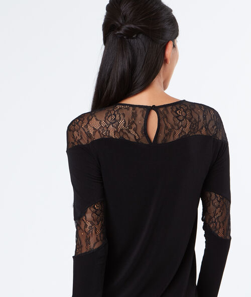 Long sleeves top with lace