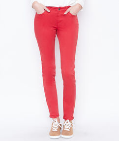 Pantalon skinny rouge.