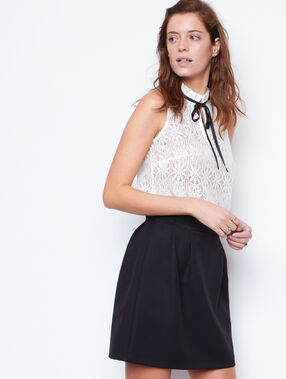 Lace sleeveless top white.