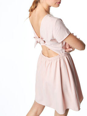 Short sleeves dress blush.