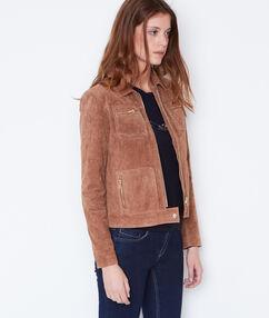 Blouson effet cuir à poches plaquées marron.