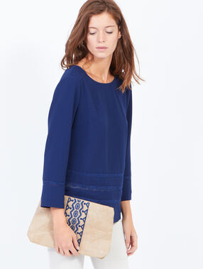 Embroided clutch beige.