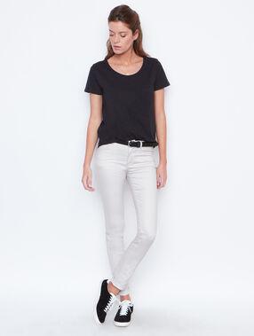 T-shirt manches courtes noir.