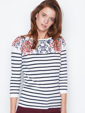 Long sleeves top white.