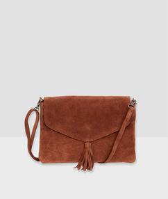Leather clutch with pompom brown.