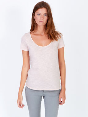 Short sleeve t-shirt with round collar light pink.