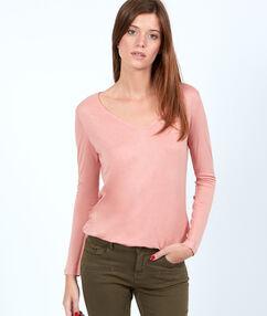 V neck t-shirt pink.