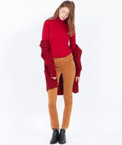 Pantalon slim en velours côtelé camel.