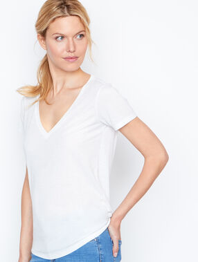 V neck t-shirt white.