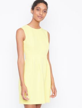 Sleeveless dress yellow.