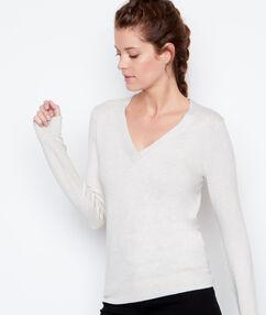 V-neck sweater beige.