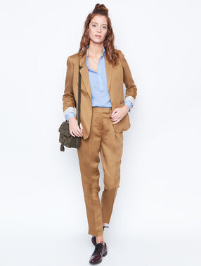 Linen carrot pants brown.