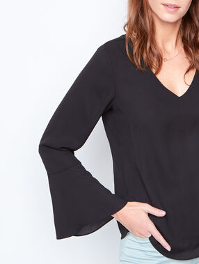 V-neck blouse black.