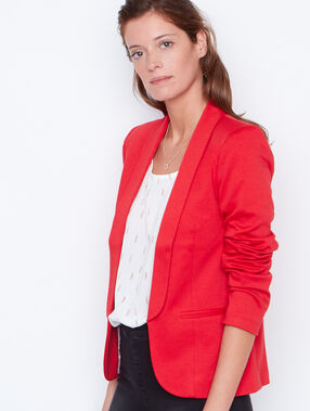 Veste blazer col tailleur rouge.