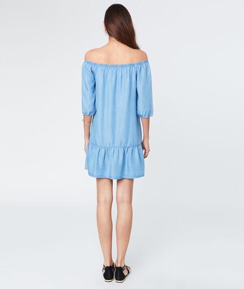 Bare shoulders dress