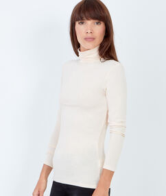 Long sleeve turtleneck top cream.