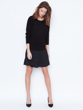 Sweater black.