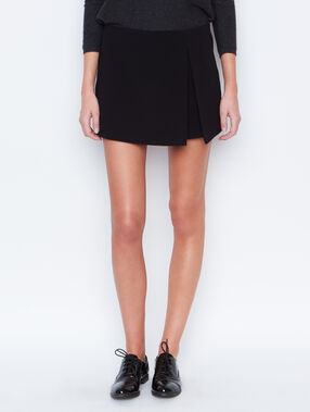 Mini skirt black.