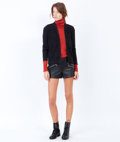 Veste en maille zippée noir.