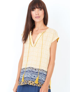 Short sleeve printed top with pompoms mustard.
