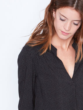 V-neck dotty blouse black.