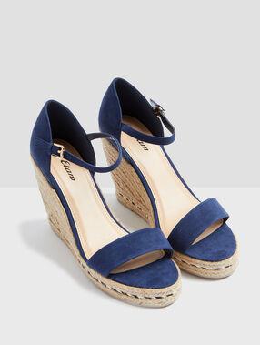 Heeled sandals blue.